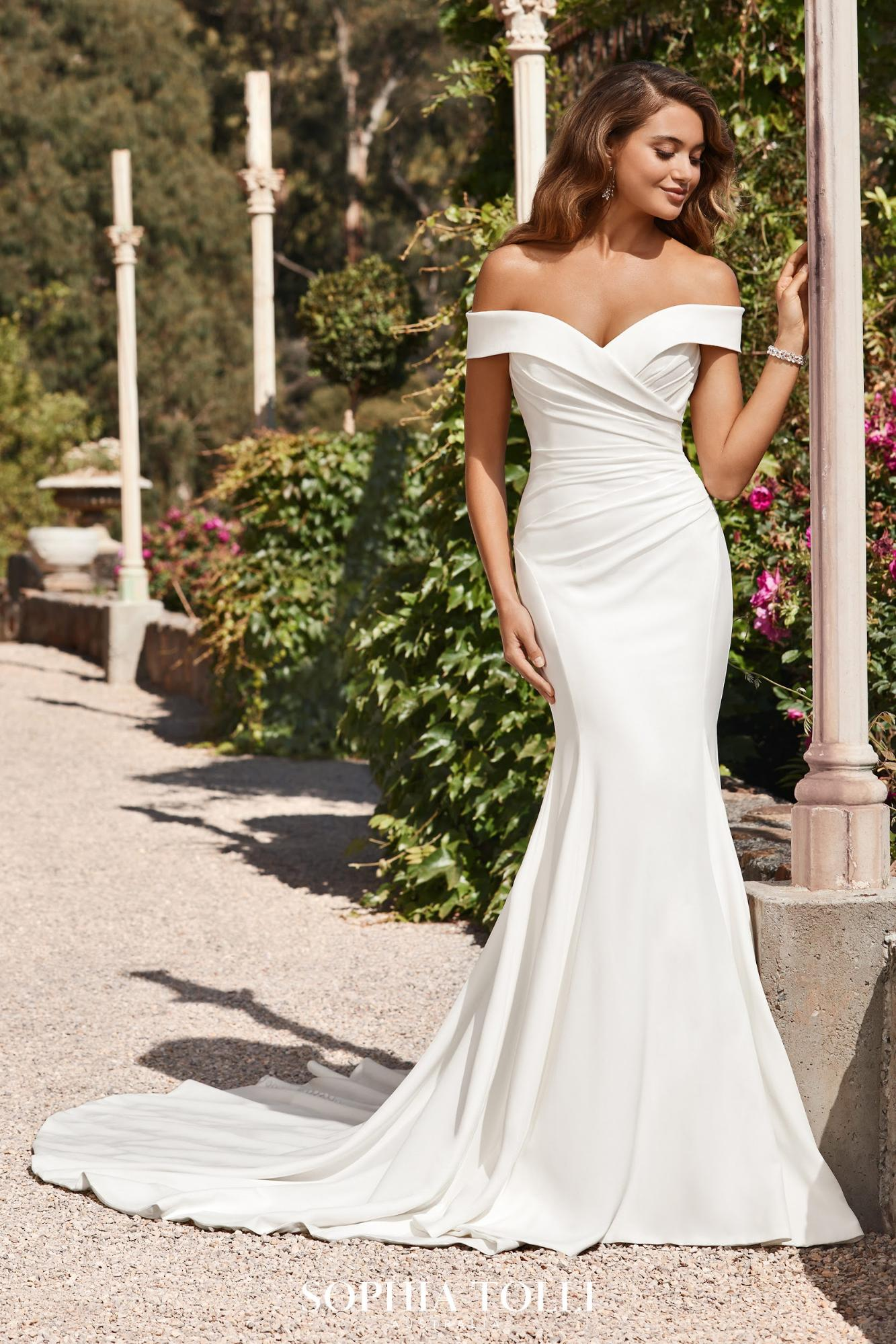 Destination Wedding Dress Trends. Desktop Image